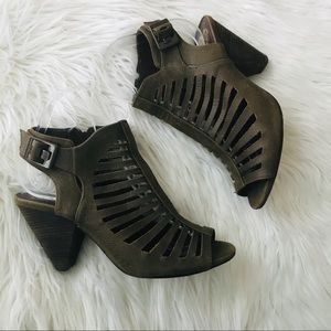 Vince Camuto Green Suede Leather Heels